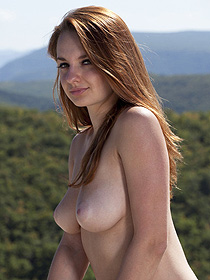 Cute Bombshell Is Nude Outdoor