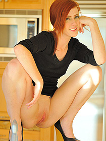 Lovely Redhead Elle Has Hot Shaved Pussy