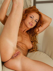 Ginger Exposed Her Fine Pussy