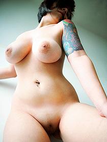 Tattooed Darla Has Hot Boobs