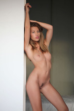 Melissa Shows Her Naked Body-13