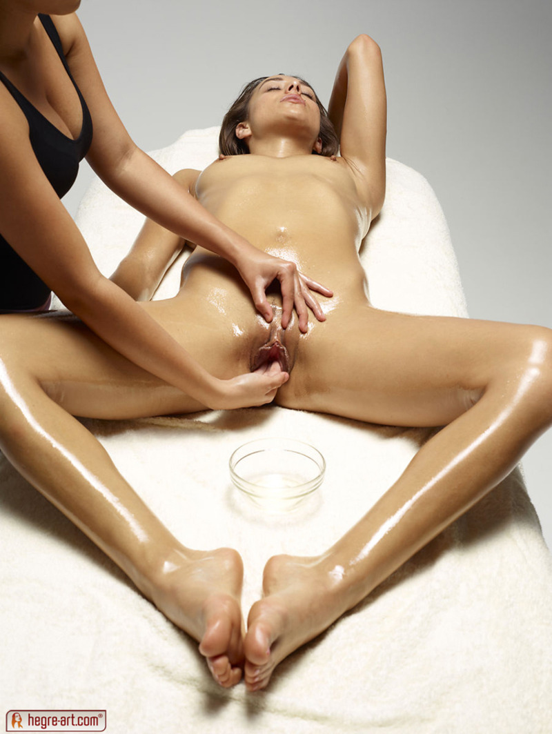 Naked girl massage Naked Neighbour Presents Naked Girl On A Pussy Massage 12 18