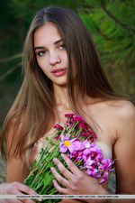 Hot Teen Valencia Posing In The Forest-02