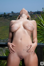 Carlye Denise	and Her Big Natural Tits-10