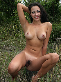 Nice hairy pussy showing outdoor