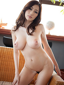 Busty Japanese Hottie