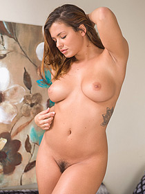 Busty Keisha Grey Gets Horny