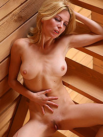 Naked Blonde Yara